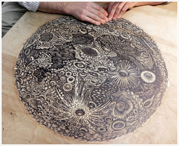 themoon_woodcut_carving03_b